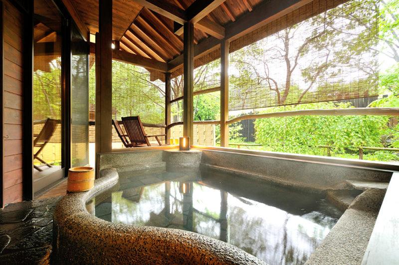 母屋 露天風呂付き客室メイン画像