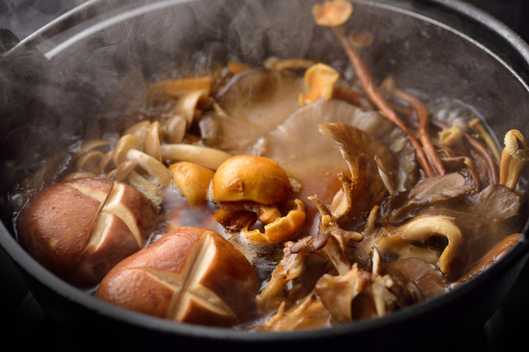 秋-4 きのこ鍋